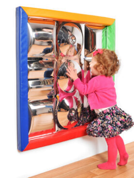 Senzorické zrcadlo s polstrovaným rámem