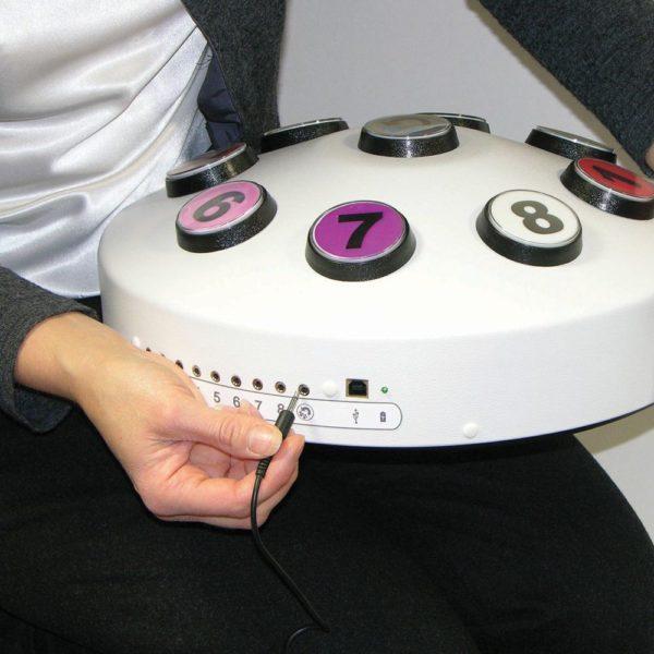Bezdrátový interaktivní ovladač Deluxe ,8 barev ZDOKONALENÝ MODEL